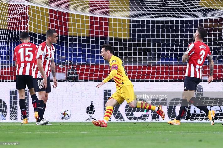 Chạy 70 mét để lập siêu phẩm, Messi cùng Barcelona giành ngôi vô địch đầy thuyết phục - Ảnh 3.
