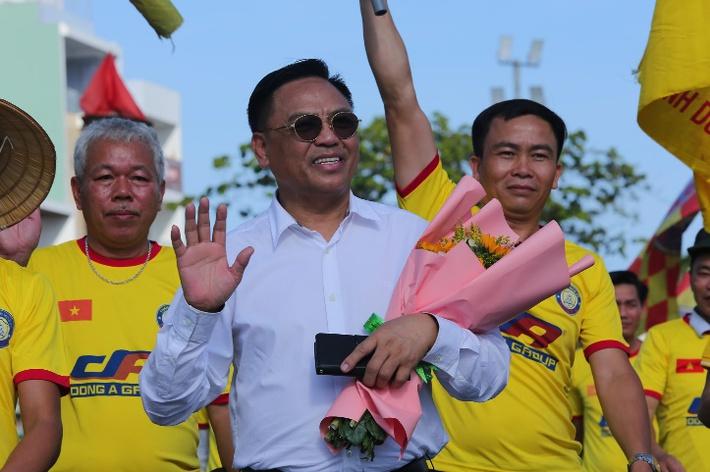 Liên tục thi đấu thăng hoa, Đông Á Thanh Hóa lại được thưởng khoản tiền khủng - Ảnh 2.