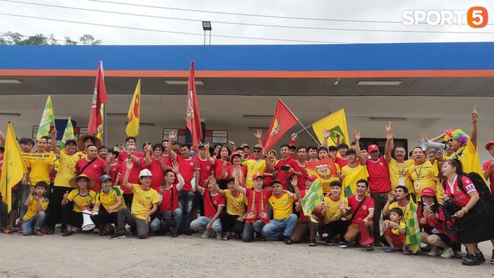 HLV Nguyễn Thành Công: Chiến thắng này giúp các cầu thủ giải tỏa tâm lý - Ảnh 2.