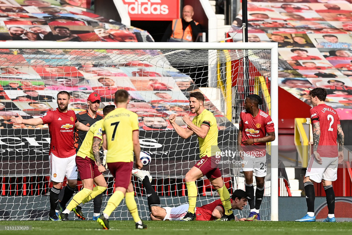 Truyền nhân Van Persie lập công, cánh cửa vô địch Premier League lại mở ra với Man United - Ảnh 2.