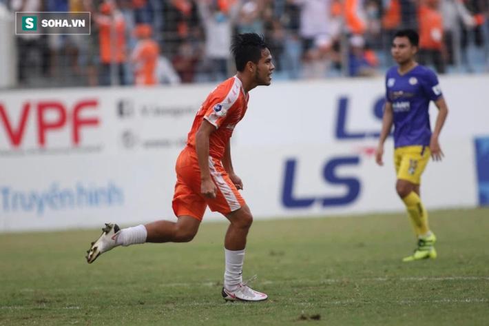 Lá chắn thép của thầy Park vỡ toang, Hà Nội FC có thống kê tệ nhất giải sau trận thua trắng - Ảnh 2.