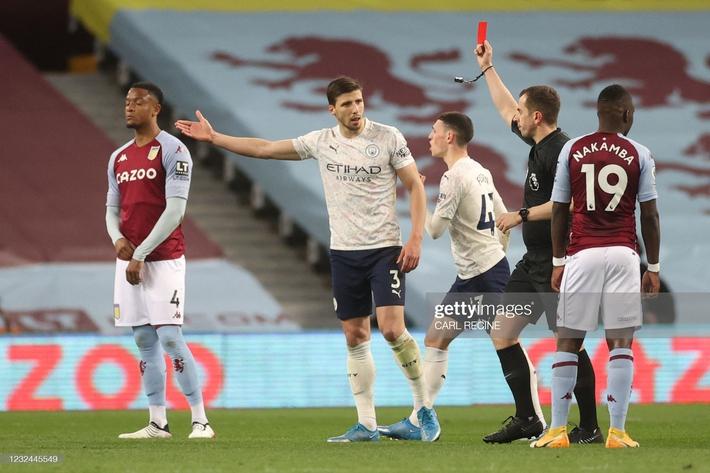 Mộng vô địch của Man United bị giáng một đòn mạnh; Tottenham hồi sinh sau khi sa thải Mourinho - Ảnh 2.