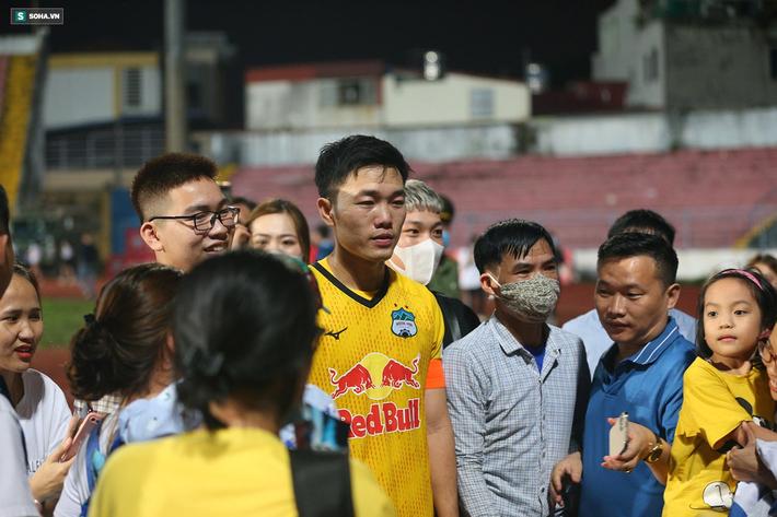 HAGL và HLV Kiatisuk gặp mối nguy lớn trước trận tranh đỉnh bảng với Đà Nẵng - Ảnh 1.