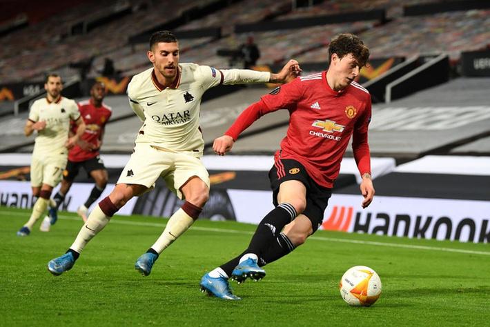 Chấm điểm cầu thủ MU vs Roma: Bùng nổ tam giác Pogba - Bruno - Cavani - Ảnh 3.