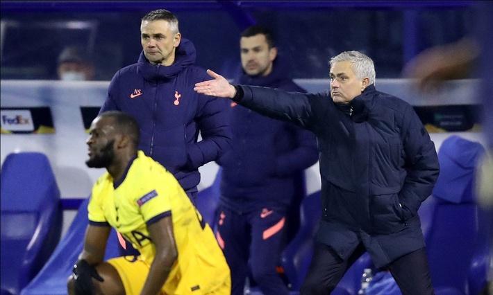 Khi độc chiêu gây thù chuốc oán hết tác dụng, đã đến lúc Mourinho thấy mình thực sự hết thời? - Ảnh 3.