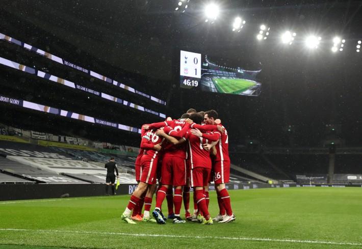 Real Madrid - Liverpool: Nỗi sợ phải đi một mình - Ảnh 1.