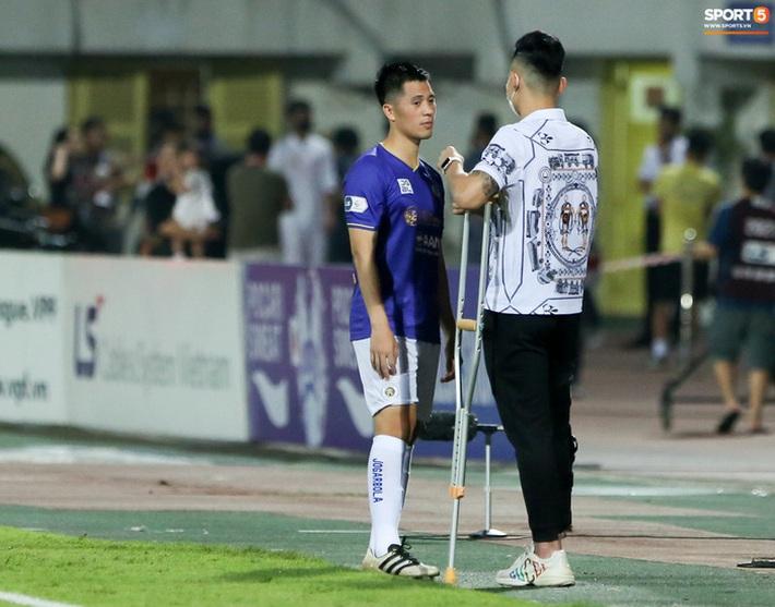 Quế Ngọc Hải an ủi Đình Trọng khi Viettel lần đầu khiến Hà Nội FC ôm hận - Ảnh 3.