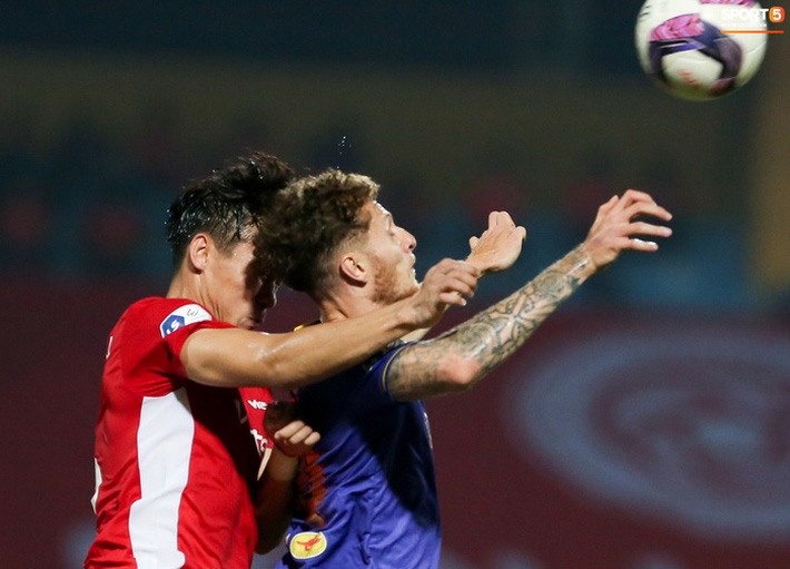 Quế Ngọc Hải an ủi Đình Trọng khi Viettel lần đầu khiến Hà Nội FC ôm hận - Ảnh 5.
