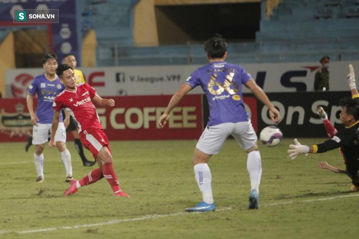 Hà Nội FC thiếu may mắn, trọng tài Ngô Duy Lân quá nặng tay khi rút thẻ đỏ cho Đức Huy - Ảnh 3.