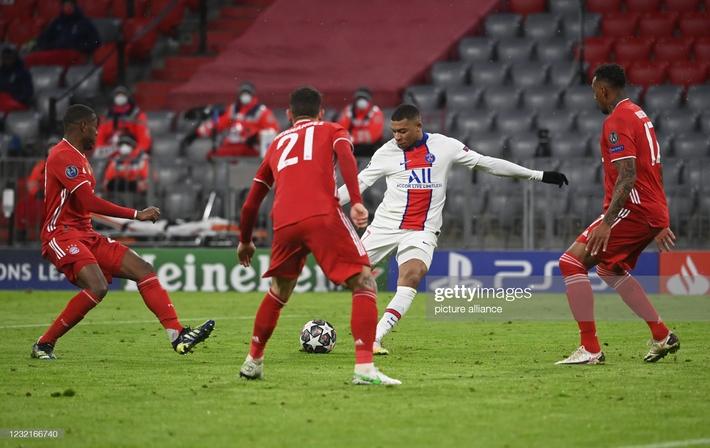Song kiếm hợp bích, Neymar và Mbappe nhấn chìm Bayern Munich trong cơn mưa bàn thắng - Ảnh 5.
