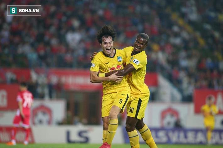 Anh Đức chỉ là cú đòn gió, Văn Toàn vẫn khó có cửa với thầy Park, dù hay nhất V.League - Ảnh 2.