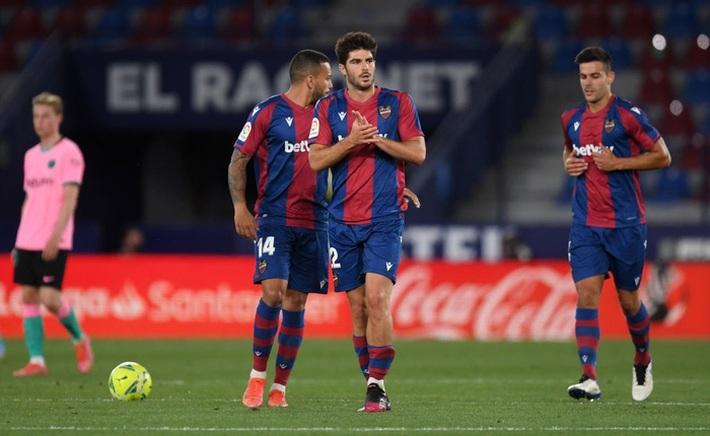 Hàng thủ thi đấu tệ hại, Barcelona sắp tan mộng vô địch La Liga - Ảnh 3.
