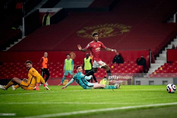 Thổi bay Man United trong mưa bàn thắng, Liverpool sống lại cơ hội lọt top 4 Premier League - Ảnh 6.