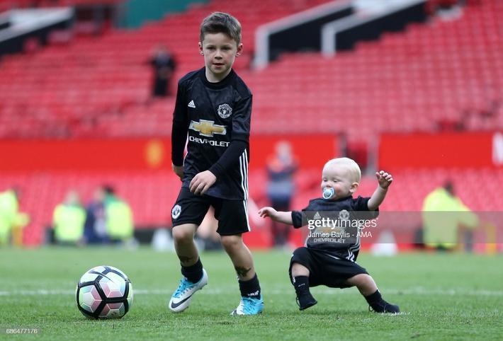 Hổ phụ sinh hổ tử: Con trai Rooney hủy diệt đối thủ, 6 lần lập công trong 1 trận đấu - Ảnh 1.