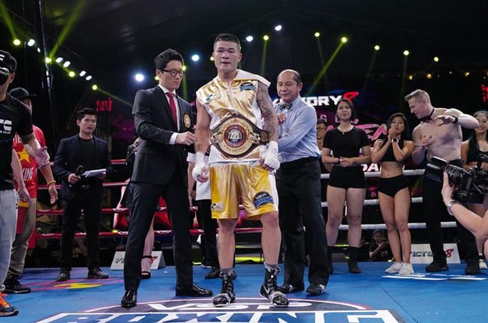 Quyền vương Việt Nam buộc nhà vô địch Hàn Quốc phải nếm mùi đau khổ với liên hoàn đấm - Ảnh 2.