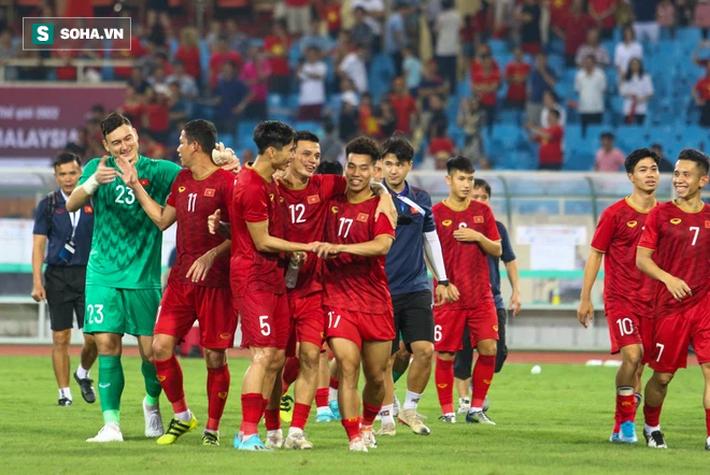 Việt Nam bị dồn đến chân tường, thầy Park sẽ thêm lần khiến cả châu Á phải kinh ngạc? - Ảnh 1.