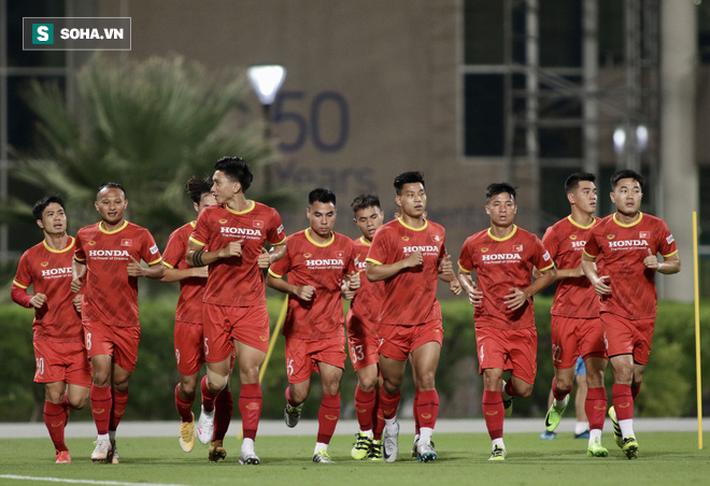 HLV Park Hang-seo báo tin bất ngờ về thủ môn Đặng Văn Lâm - Ảnh 1.