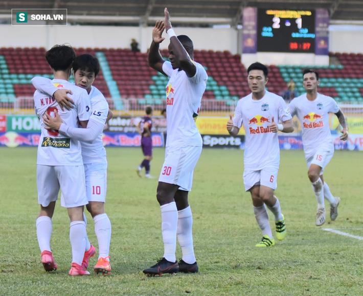 Văn Toàn: Tiền đạo nội có phong độ cao là tín hiệu vui cho đội tuyển Việt Nam - Ảnh 2.