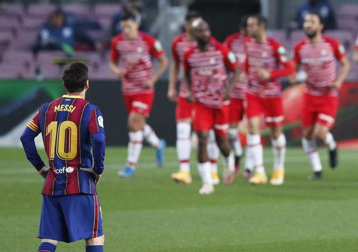 Ngược dòng hạ Valencia, Barcelona quyết không buông cuộc đua vô địch La Liga - Ảnh 1.