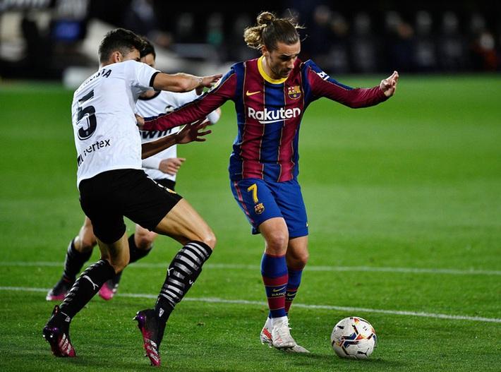 Ngược dòng hạ Valencia, Barcelona quyết không buông cuộc đua vô địch La Liga - Ảnh 2.