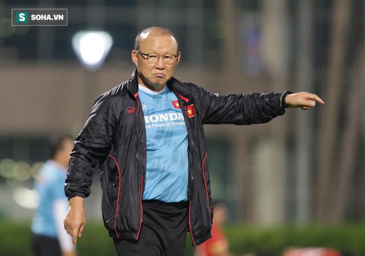 Đặng Văn Lâm không lên tuyển, HLV Park Hang-seo lo lắng ra mặt - Ảnh 1.