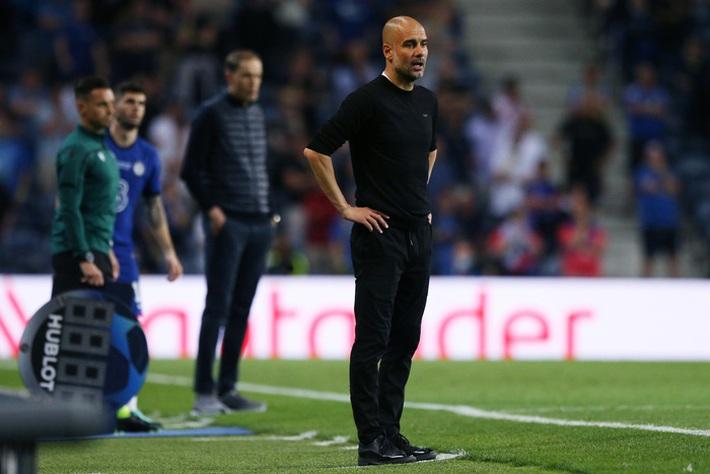 Pep Guardiola - khoảng cách mong manh giữa thiên tài và kẻ khờ khạo - Ảnh 4.
