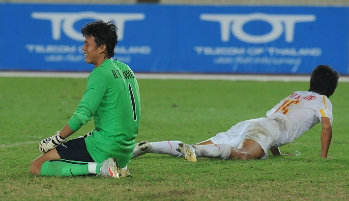 Đặng Văn Lâm gặp khó vì luật FIFA, thầy Park đặt niềm tin vào thủ môn từng gây tai tiếng? - Ảnh 2.