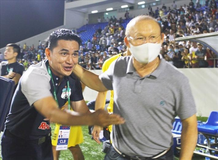 Kiatisak đã giải nỗi oan cho HLV Park Hang Seo - Ảnh 1.