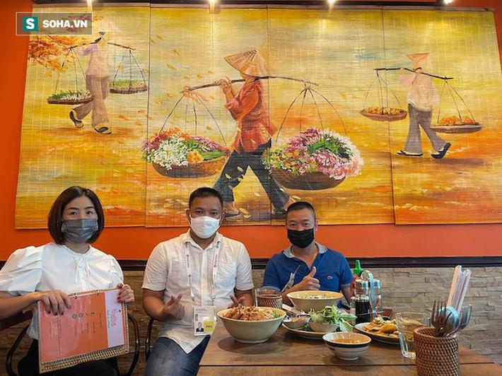 Nữ Việt kiều xinh đẹp tại Dubai hâm mộ Công Phượng vì lý do đặc biệt - Ảnh 1.