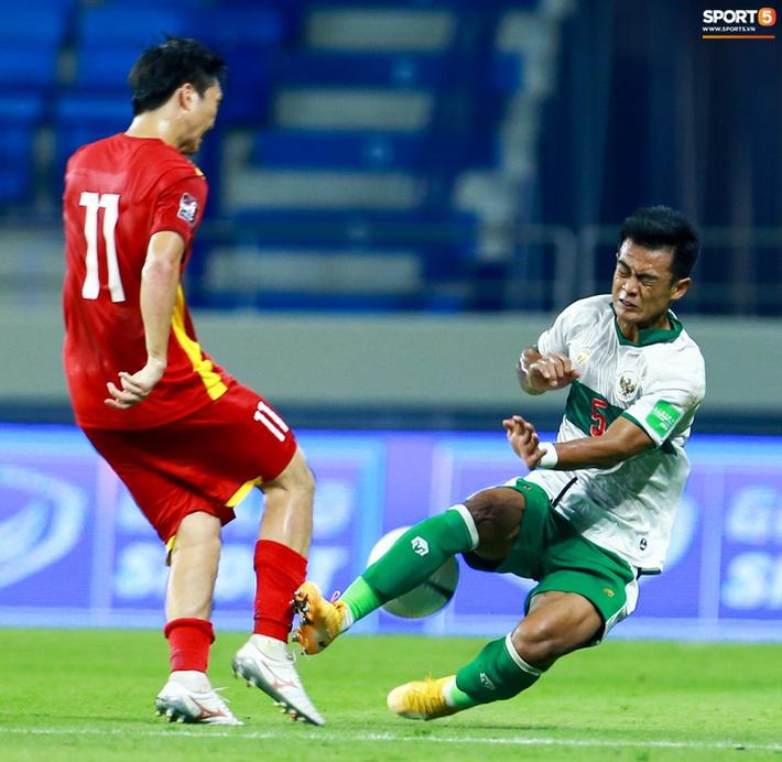 Báo Indonesia sốc khi thấy tài khoản MXH của cầu thủ đội nhà bị fan Việt tấn công - Ảnh 2.