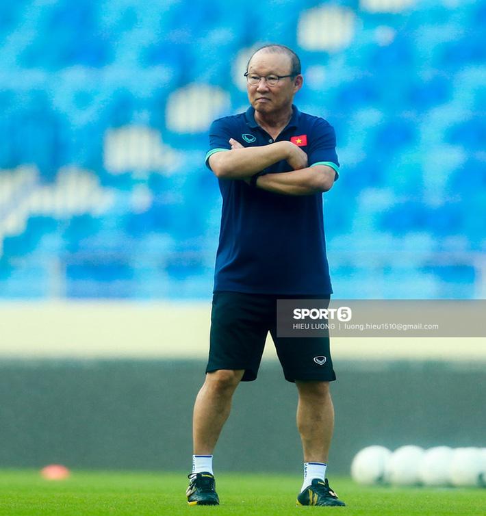 Tuấn Anh không ra sân tập trước trận Việt Nam - Malaysia - Ảnh 6.