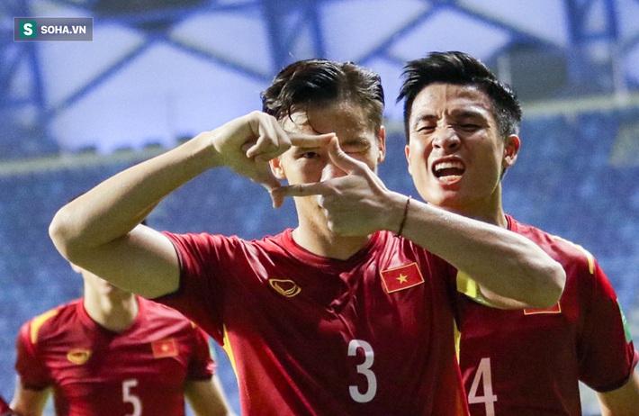 ĐT Việt Nam nhận thưởng nóng 3 tỷ đồng sau trận thắng kịch tích trước Malaysia - Ảnh 1.