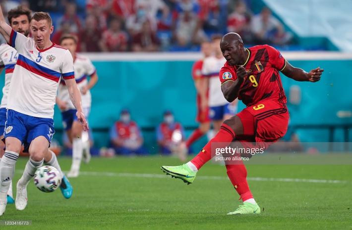 Euro 2020: Bùng nổ dữ dội, Lukaku nhấn chìm đội tuyển Nga trong ngày ra quân - Ảnh 1.
