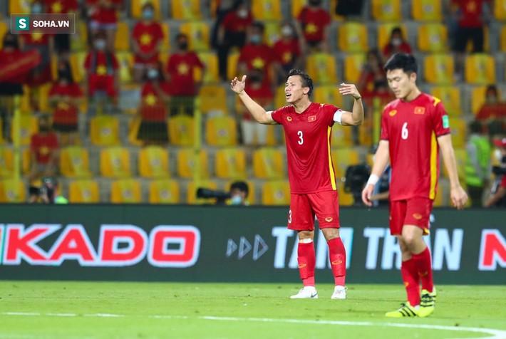 HLV UAE biểu hiện lạ khi đội nhà dẫn trước 3-0, hóa ra lo không thừa vì sức mạnh Việt Nam! - Ảnh 2.