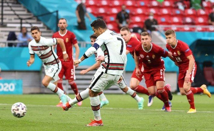 Ronaldo ghi cú đúp muộn màng, Bồ Đào Nha giành 3 điểm nhọc nhằn trước Hungary - Ảnh 4.