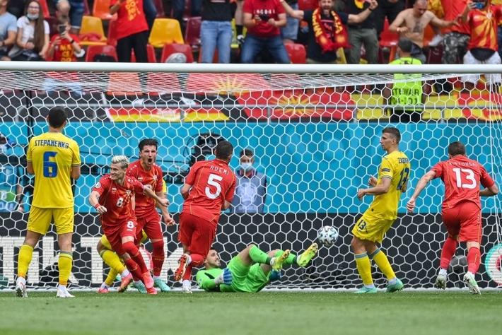 Ukraine 2-1 Bắc Macedonia: Hay ngoài mong đợi - Ảnh 3.