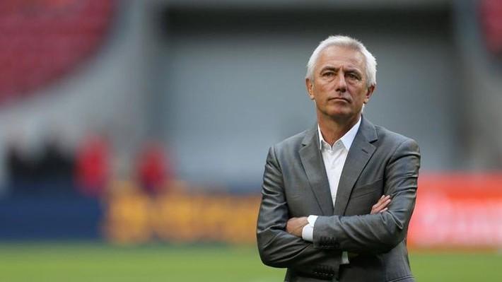 Thực hư việc HLV tuyển UAE bất ngờ từ chức sau trận thắng tuyển Việt Nam - Ảnh 1.