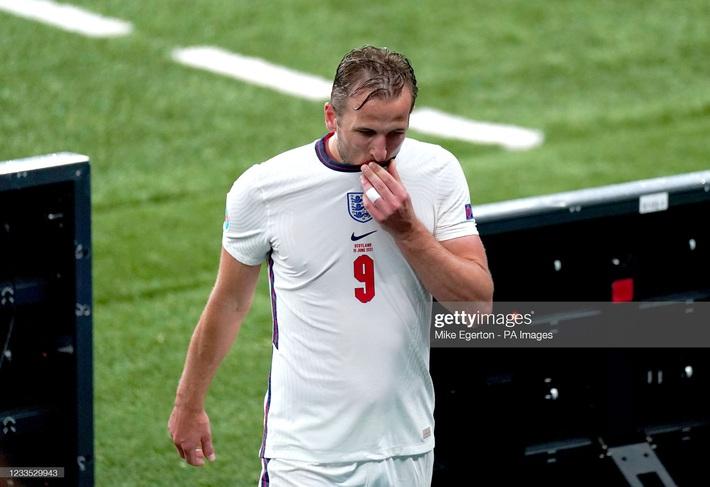 Đại pháo biến thành kẻ ngoài cuộc, đội tuyển Anh sảy chân trước địch thủ trăm năm - Ảnh 3.