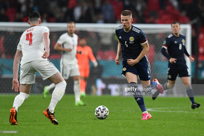 Đại pháo biến thành kẻ ngoài cuộc, đội tuyển Anh sảy chân trước địch thủ trăm năm - Ảnh 6.