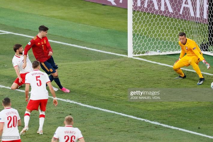 Morata vẽ ra mộng đẹp rồi hiện nguyên hình, Tây Ban Nha ôm nỗi thất vọng to lớn trước Ba Lan - Ảnh 1.