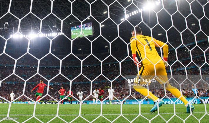Cuộc đua Vua phá lưới Euro 2020: Lão tướng Ronaldo độc chiếm ngôi đầu nhờ tuyệt chiêu penalty - Ảnh 1.