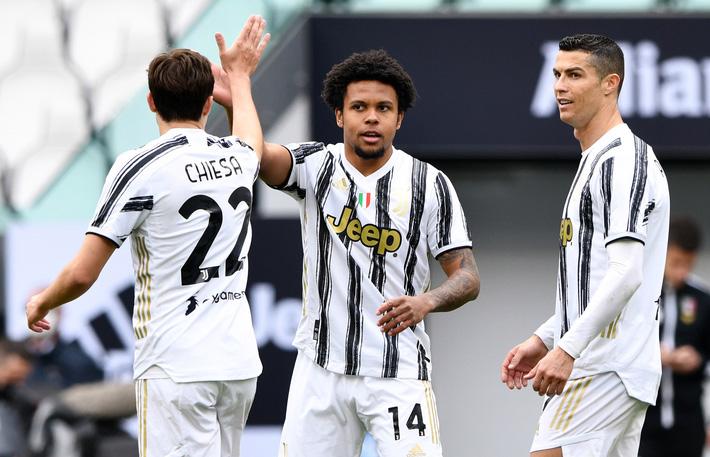 Sao trẻ Juventus tiết lộ lần đầu gặp Ronaldo, sốc nặng vì chiếc... quần lót - Ảnh 2.