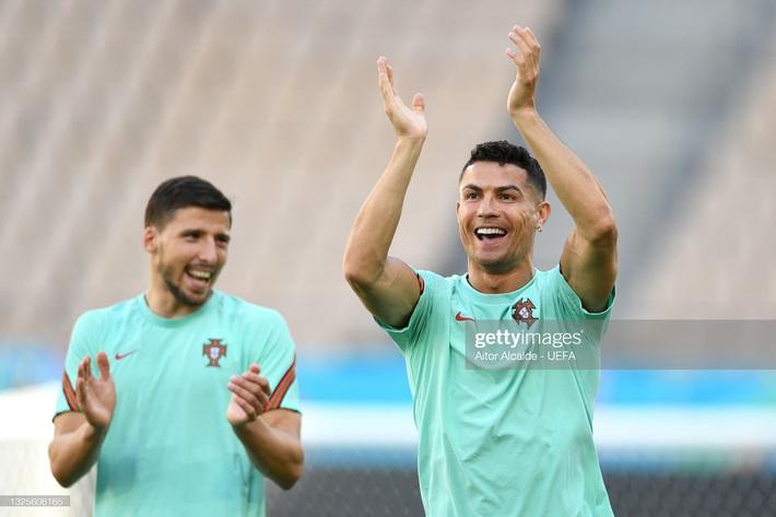 """Nhận định Bỉ vs Bồ Đào Nha: Ronaldo sẽ làm nên kỳ tích nhờ đánh vào """"tử huyệt"""" của Quỷ đỏ - Ảnh 1."""