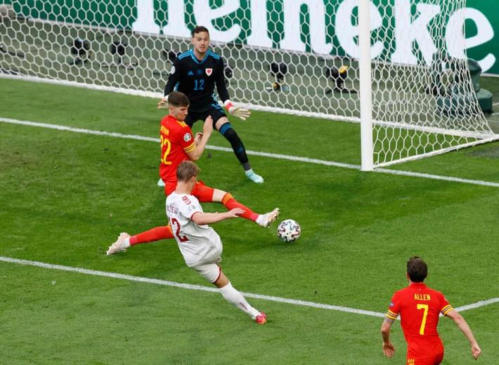Bale nhạt nhòa trong ngày Lính chì viết tiếp câu chuyện cổ tích bởi nhân tố không tưởng - Ảnh 4.