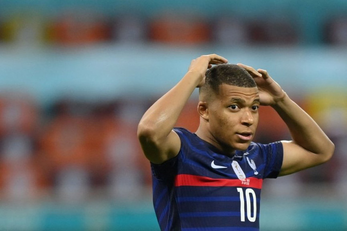 Euro 2021 vừa trải qua một ĐÊM ĐIÊN RỒ - Ảnh 5.