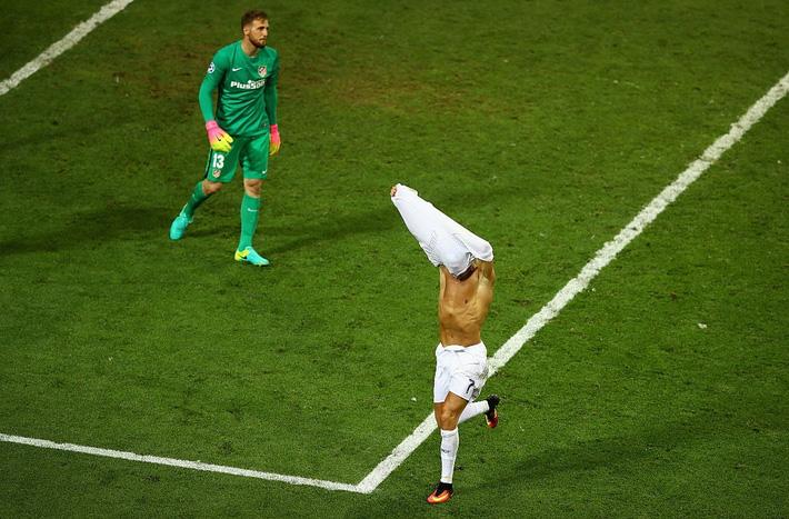 Pháp thất bại là bởi Mbappe học đòi tật xấu của Ronaldo? - Ảnh 2.
