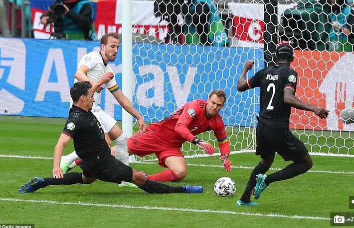 """Tung hai miếng đòn xuất thần, đội tuyển Anh """"trả hận"""" người Đức theo kịch bản bùng nổ nhất"""