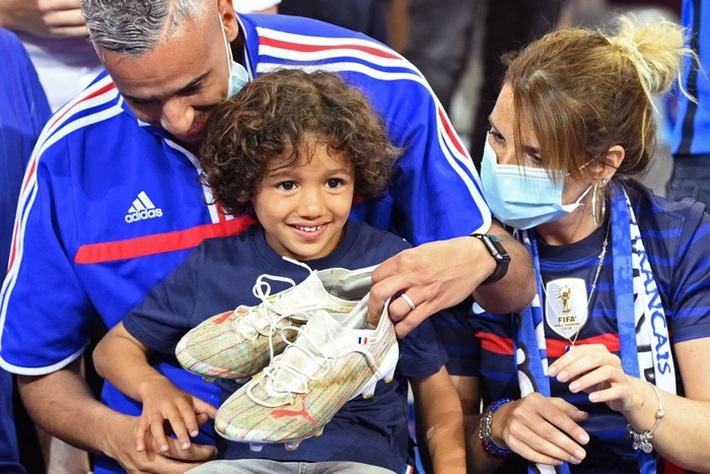 Giroud lập cú đúp trong ngày Benzema dính chấn thương, Pháp thắng trận giao hữu cuối trước Euro - Ảnh 17.