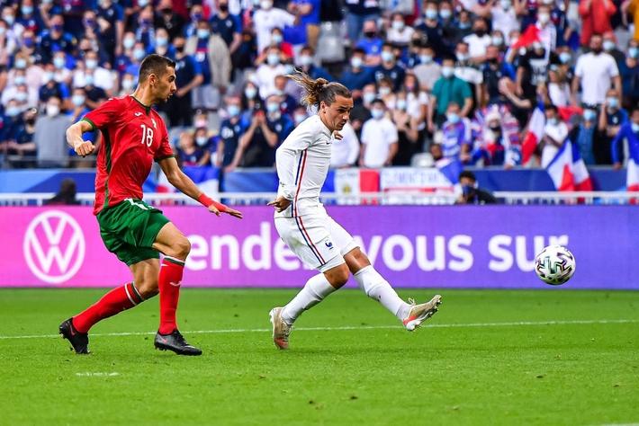 Giroud lập cú đúp trong ngày Benzema dính chấn thương, Pháp thắng trận giao hữu cuối trước Euro - Ảnh 9.