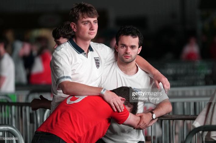 Ảnh: Đội tuyển Italia ăn mừng chức vô địch Euro 2020 trong nỗi đau khôn cùng của người Anh - Ảnh 16.